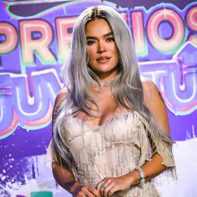 Karol G triunfa en Premios Juventud donde Bad Bunny, Grupo Firme y Natti Natasha fueron protagonistas
