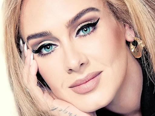 """El nuevo disco de Adele """"30"""" ya tiene fecha de lanzamiento."""
